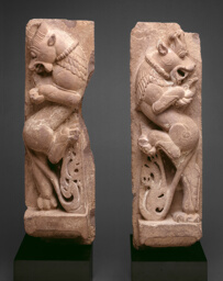 Rampant Mythical Lions (Vyala)