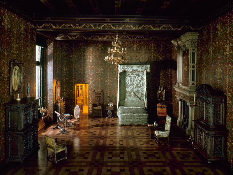 Rooms: E-17: French Bedroom, Late 16th Century