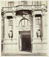Albrechtsgasse No. 3, Portal am Wohnhause des Friedrich Ritter von Schey